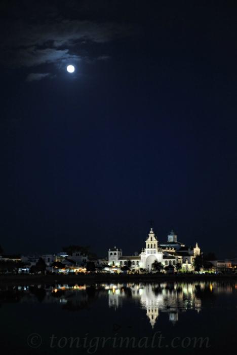 La Luna y el Rocío